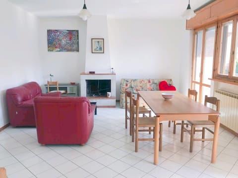 Apartment:1double room,2single bedrooms, garage!