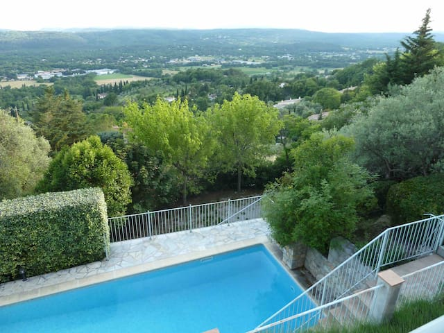 Beautiful French Villa with Fabulous Outdoor pool