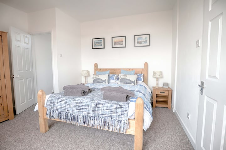 Harbour View Mevagissey-2 bed house with parking