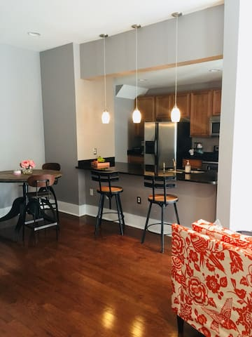 Downtown Condo/private room and bath