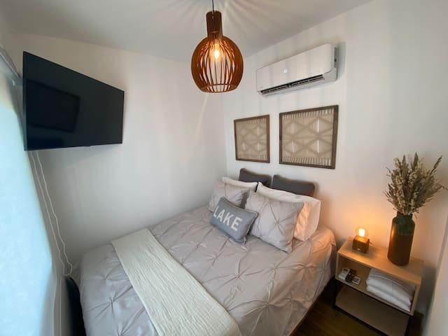 Marter room con A/C, Tv Smart y vista panorámica al lago.