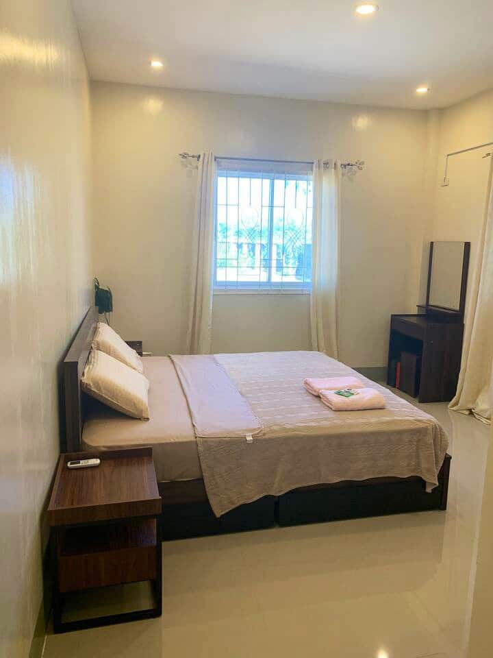 Private clean cozy Room - With private bathroom