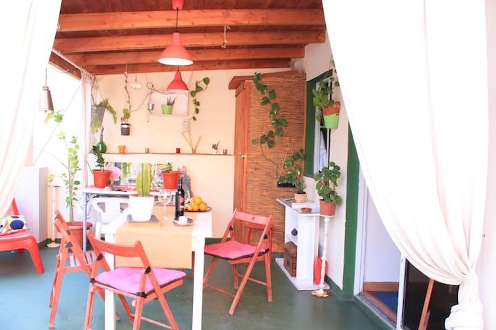 Lucia's Apartment en el corazón de Santa Cruz
