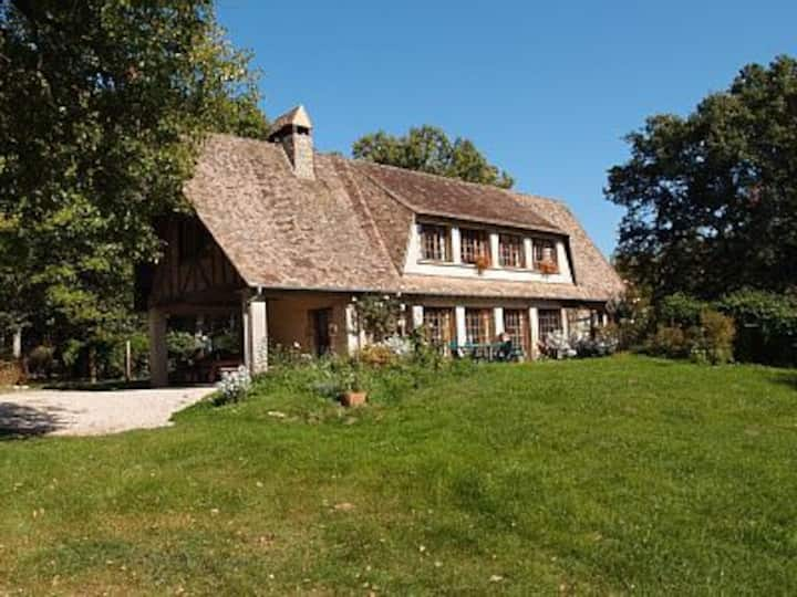 ENJOY YOUR OWN FRENCH VILLA NEAR GIVERNY