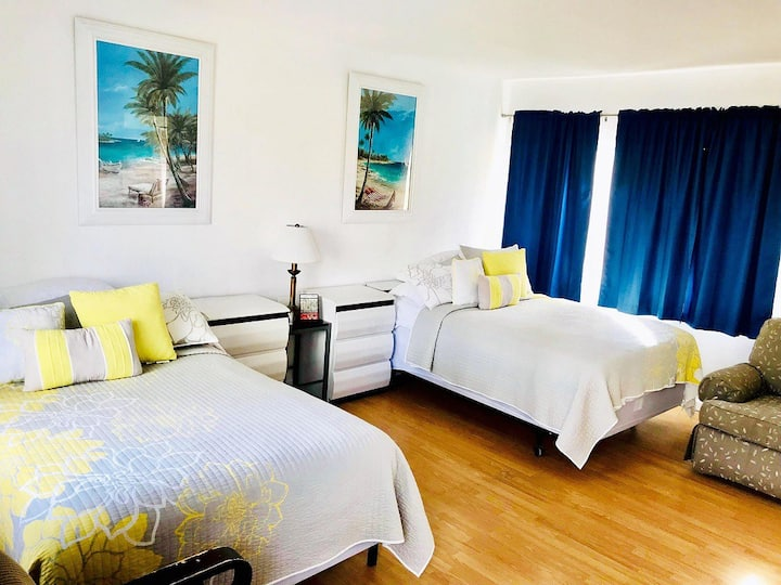 Ebb Tide Resort 2 Double Beds