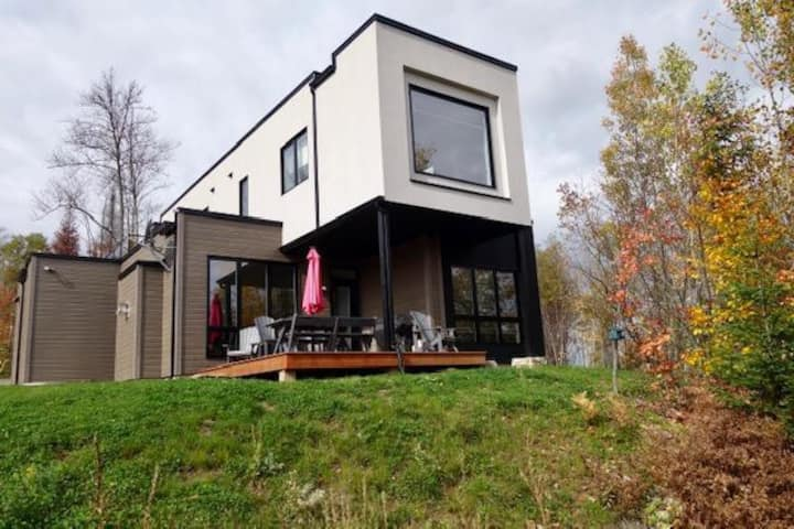 Secluded 3 Bedroom Luxury Mont-Tremblant Home