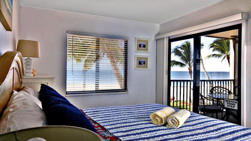 Oceanfront, Ocean view gorgeous home with Pool - Fort Myers Beach - Apartment