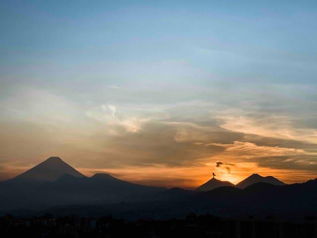 Último piso, hermosa vista a los volcanes en Z.11