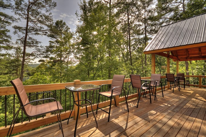 ★Listen to River Rapids From Deck★BBQ   Full Kitch