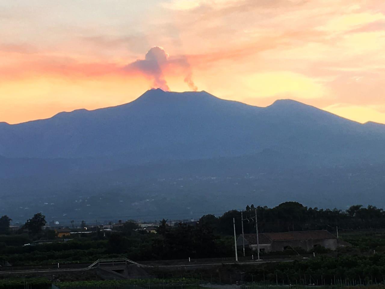 vista dll'Etna dal balcone