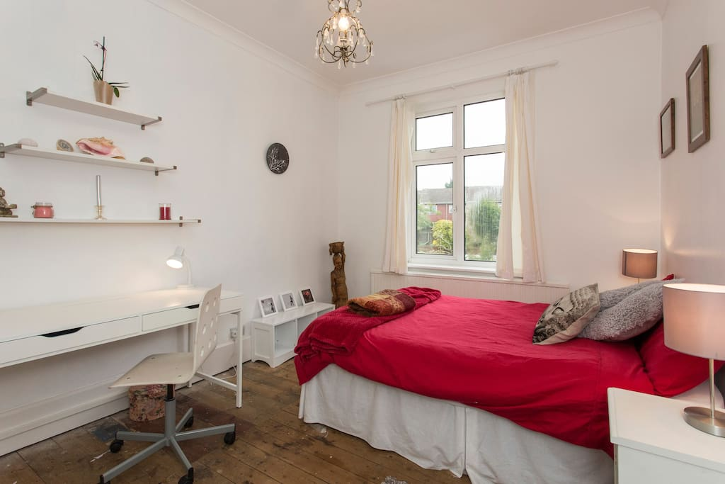 Large Room To Rent Enfield