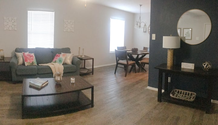 ★Ace Location. Tastefully Decorated. All You Need.