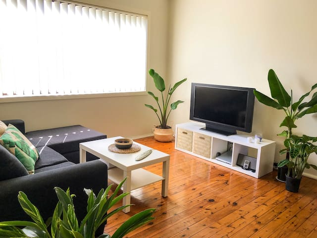 Coogee Beachside Sunny Apartment