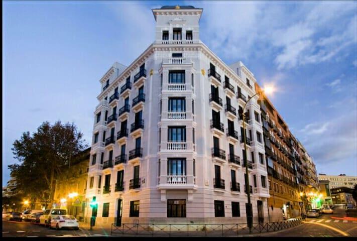 Moderno y céntrico apartamento - Madrid - Apartemen