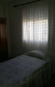 Habitación para solo o pareja - Bormujos