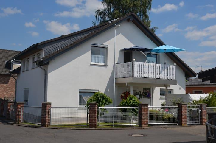Privatzimmer 2 in ruhiger Lage in Gerresheim