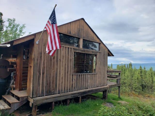 The Bus Stop (Rustic Alaskan Cabin B)