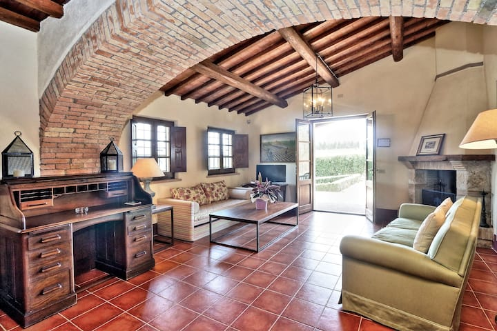 Trianon Country - One Bedroom House