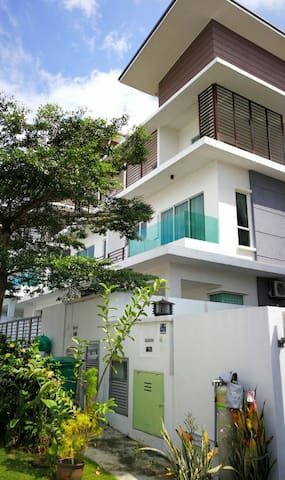 Big place(Semi D) and comfortable for family - Batu 9 Cheras - Casa