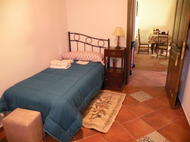 Acogedor Dormitorio Rural (cozy single room)