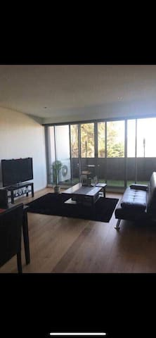 Clean and spacious private room