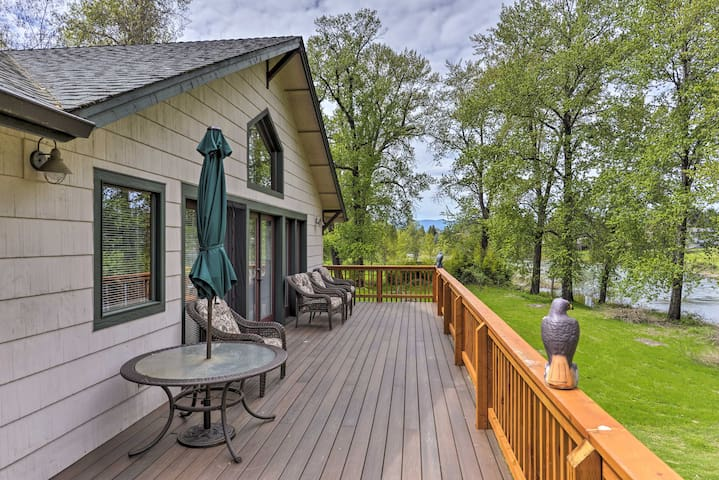 Riverfront Grants Pass House w/ Wraparound Deck!