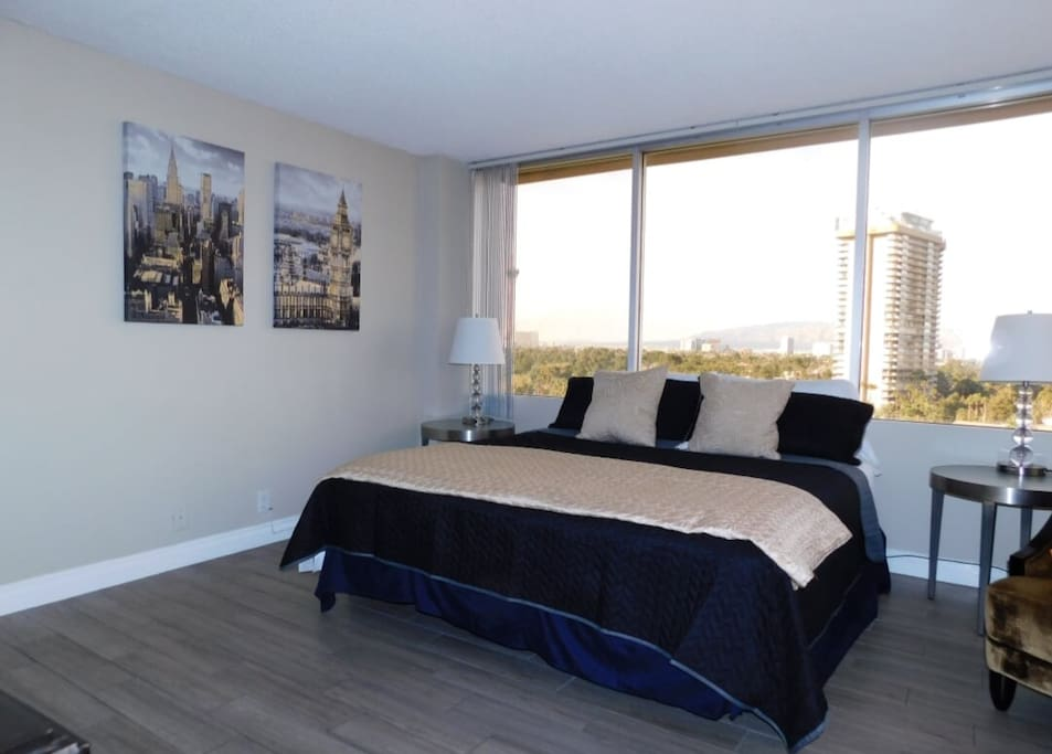 Strip Views High Rise By Convention Strip Apartments For Rent In Las Vegas Nevada United