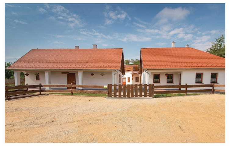 Holiday cottage with 1 bedroom on 40m² in Écs