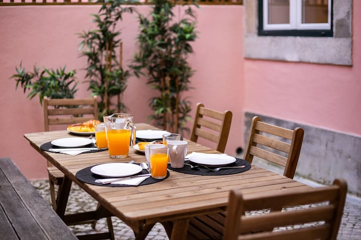 Cozy Tailor Made With a Refreshing Terrace