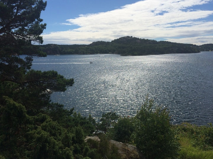 5 minutes from city and beach in Grimstad