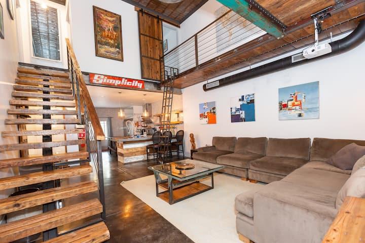 In Town Farmhouse style Modern w/ loft by BeltLine