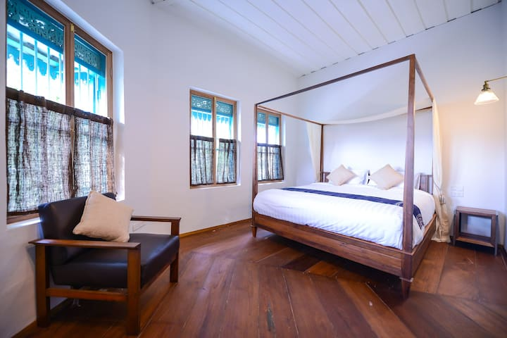 Deluxe Stay in Old Town near Khao San & MRT SamYod