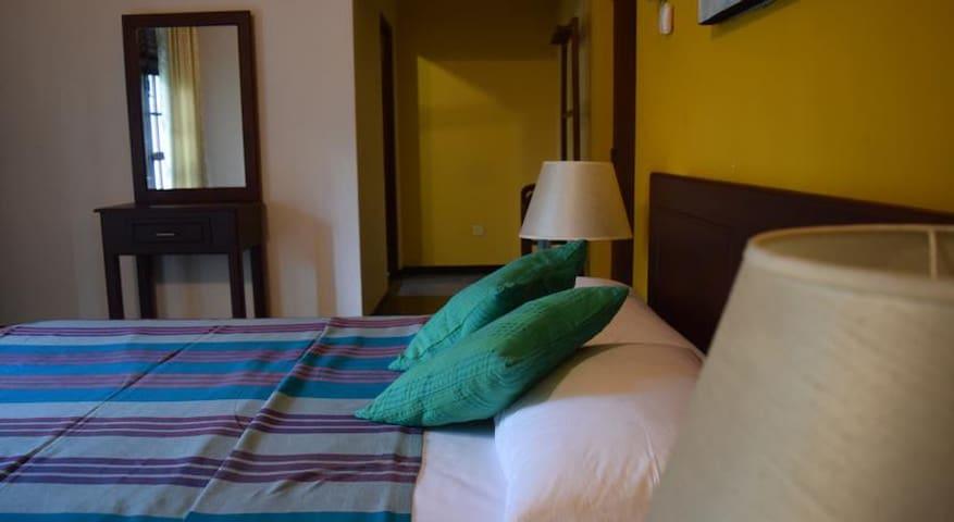 Exquisite Room at Sri Sunandarama Road Kalubowila - Dehiwala-Mount Lavinia - Apartamento