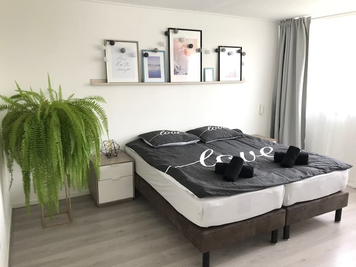 Best place to stay! House 3,5 km from center BREDA