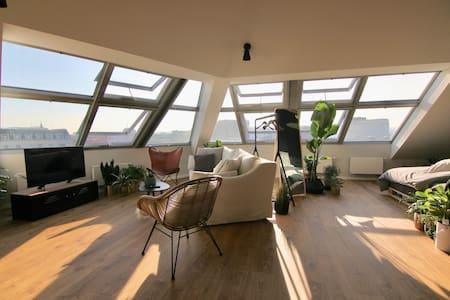 Design Studio Apartment mit Panorama Blick