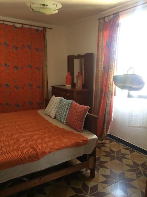 Camera da letto matrimoniale vista fiume Borbera