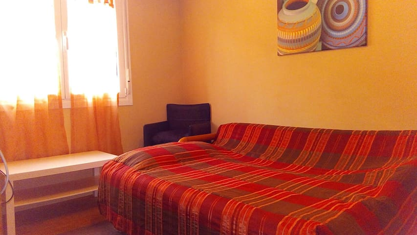 Habitacion Sofa-cama WIFI, TV,Parking - Donostia - Byt