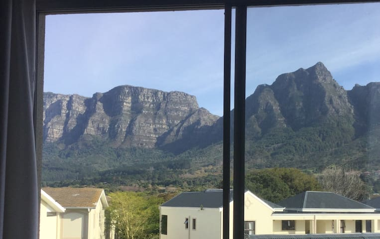 Two Bedroom Apartment In Cape Town - Cape Town - Flat