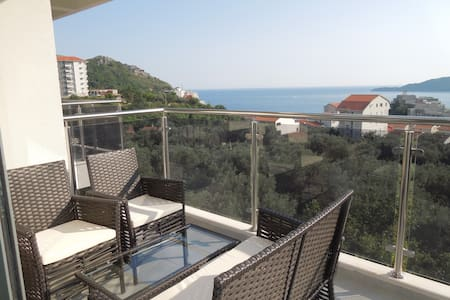 Lux  Sea View Apartment With One Bedroom