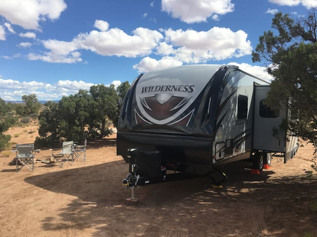 Family sized for Moab no stress camping experience