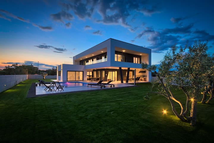 Exclusive modern stylish villa Borna near beach