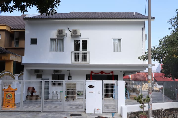"KL Cheras Connaught""Happy Homestay"" 蕉赖康乐吉隆坡""开心民宿"""