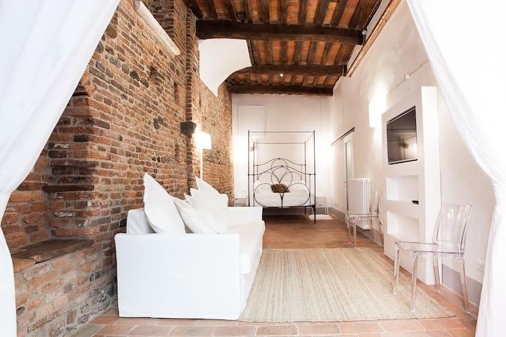 Street room in borgo medievale - Montecarlo - Podkroví