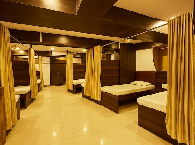 Mumbai Darbar - AC Hostel in Andheri West
