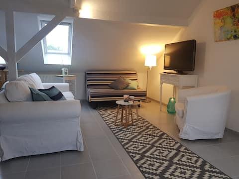 Lovingly furnished attic apartment!