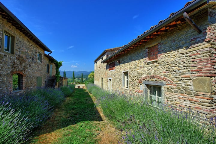 Bramasole - Holiday Country House with swimming pool in Anghiari, Tuscany