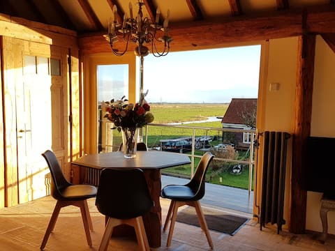 10 minutes from Amsterdam great loft, great view!!