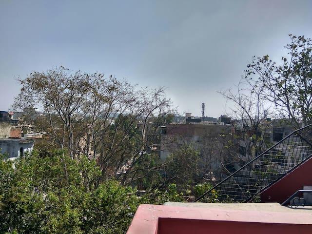 Double Bedroom, Park facing balcony, Near DU North - Delhi - Haus