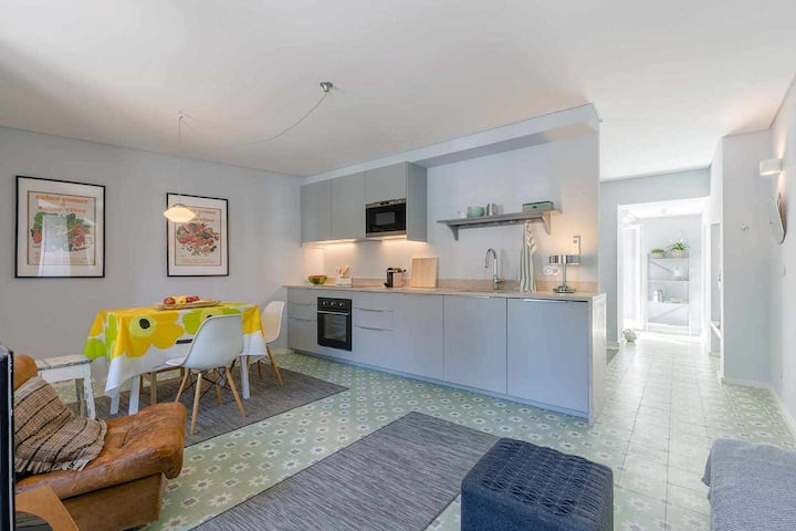 Small, Simple and Beautiful Apartment in Sintra