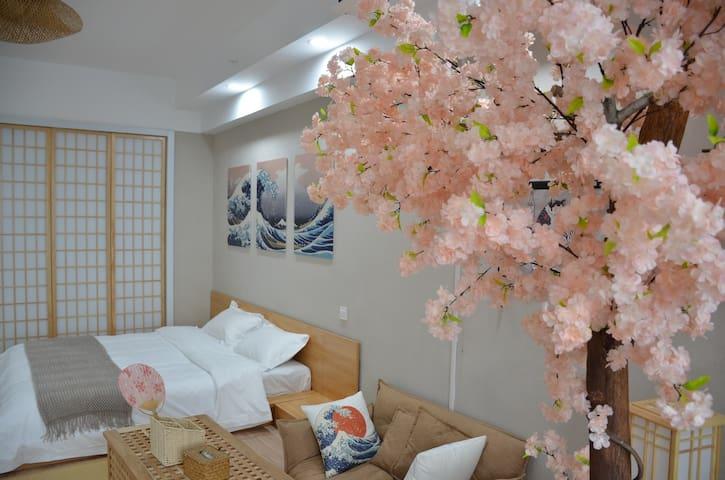 日式北海道风投影大床房公寓